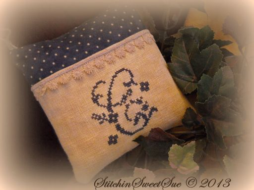 Monogram Sewing Stitchers Pocket via Stitchin' Sweet Sue