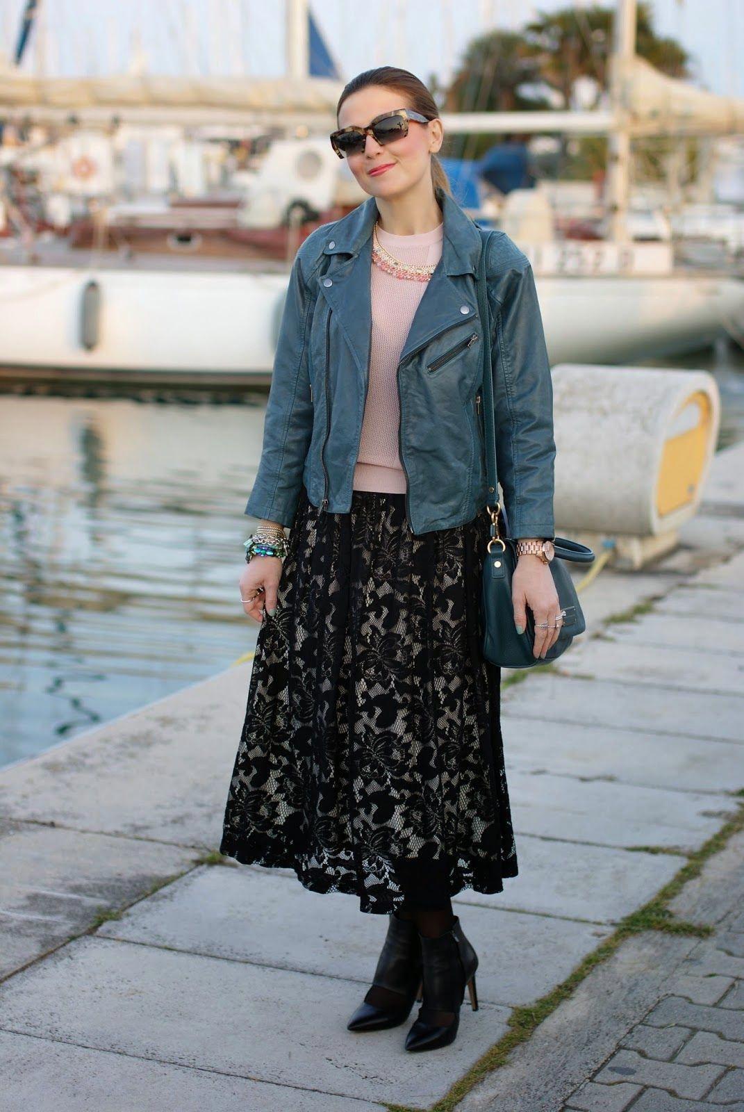 650bb93b55e7 Black lace skirt