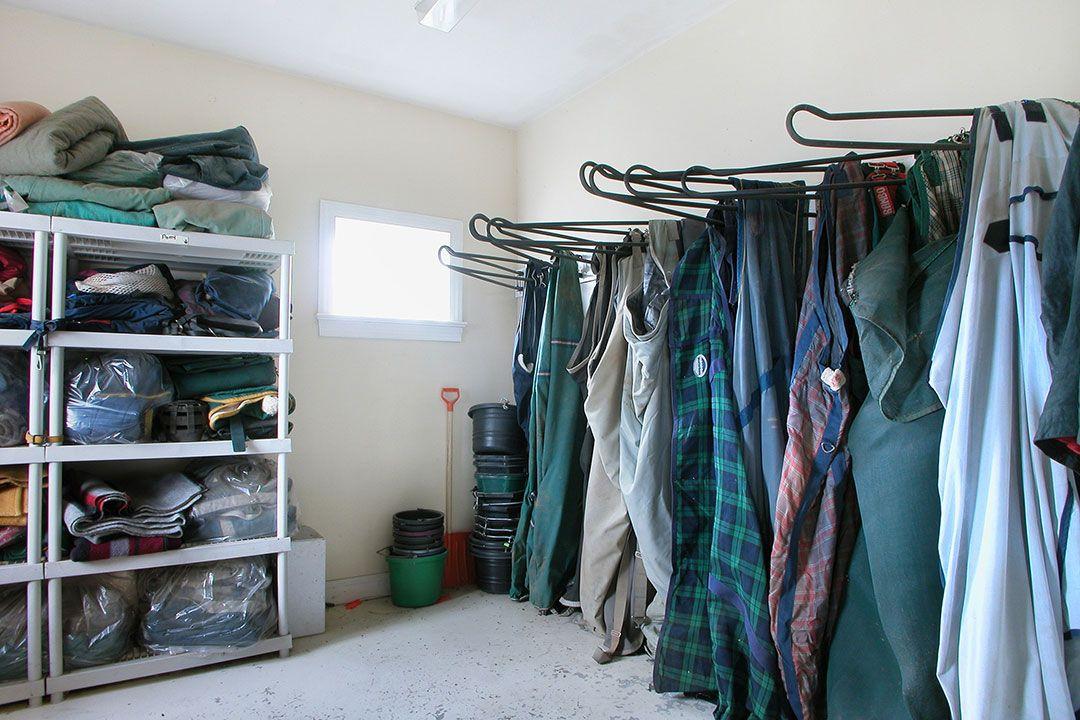 Horse rug storage rugs ideas for Comforter storage ideas