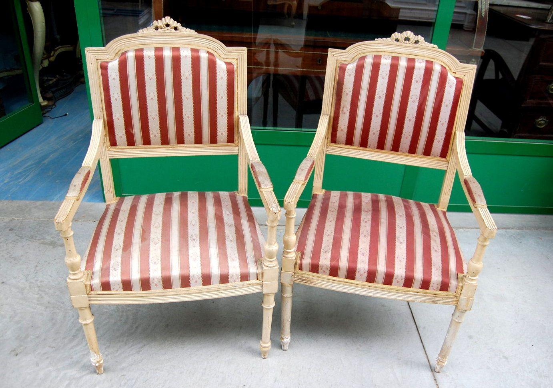 Sedie Ottocento ~ Coppia di sedie carabiniere in noce filettate e acero metà