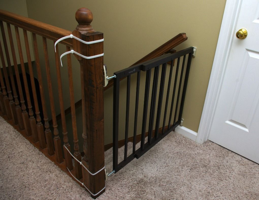 TOP OF STAIRS BABY GATE | Top of stairs gate, Living room ...