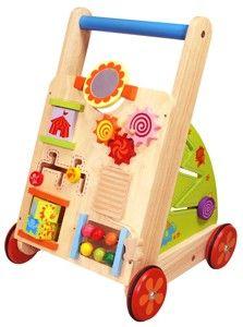 Deze Multifunctionele loopkar van het merk I'M Toy zal zorgen voor uren speelplezier. Deze duwwagen heeft allerlei leuke educatieve activiteiten zoals rammelen, draaien, kijken enz. Voorzien van een spiegeltje, labyrinth en nog veel meer. De wieltjes zijn voorzien van een rubberen loopvlak om geen krassen op de vloer te veroorzaken.     Afmeting 35 x 36 x 53 cm
