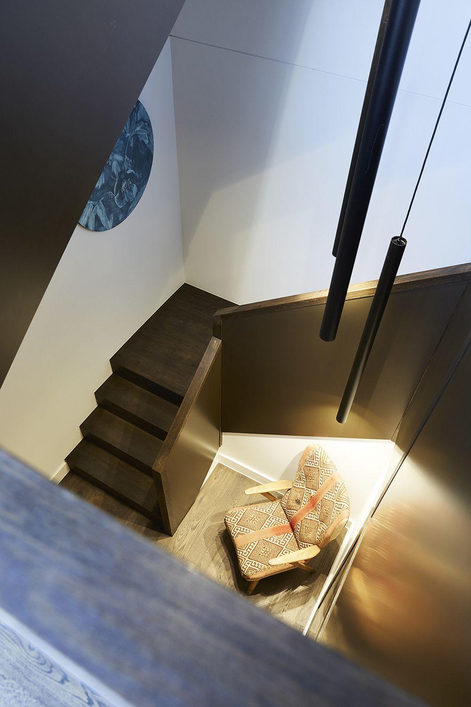 Best Stairs Feature Balustrade Bronze American Oak 400 x 300