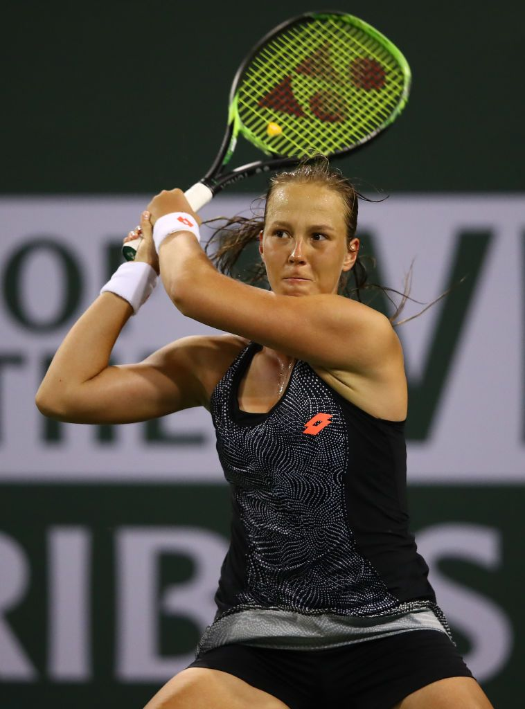 Indian Wells California March 06 Vera Lapko Of Belarus In Action Against Victoria Azarenka Of Belarus During Their Womens Singles First Round Ma Paribas Bnp