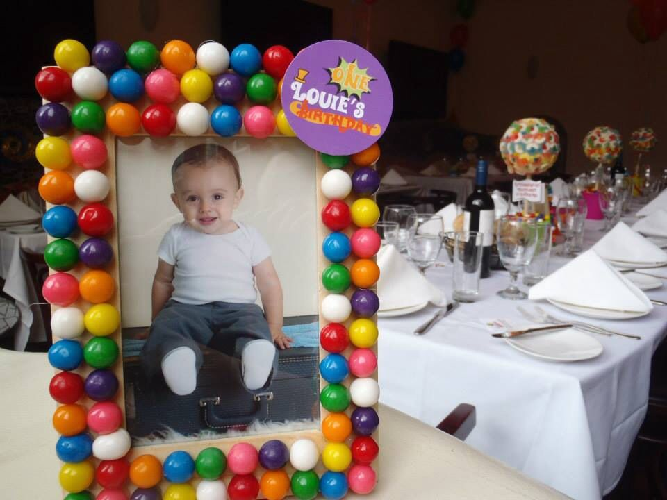 Louie\'s 1! Gumball picture frame favors - DIY | Party | Pinterest ...