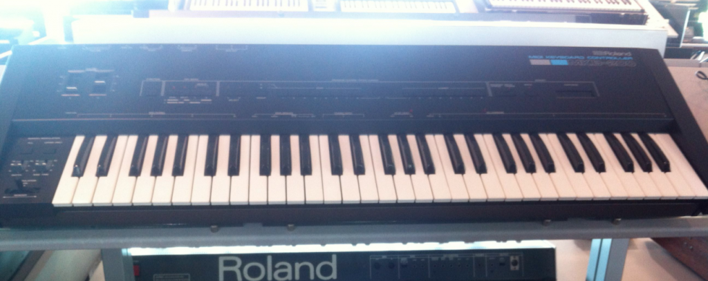 the roland mkb 200 comes from 1985 and was a 61 key midi controller