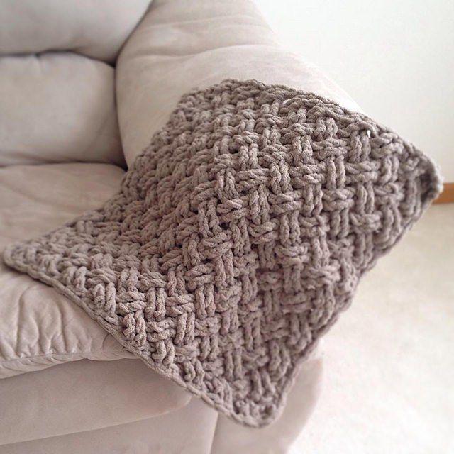 Diagonal Weave Blanket by Crochet by Jennifer | Crotchet stitches ...