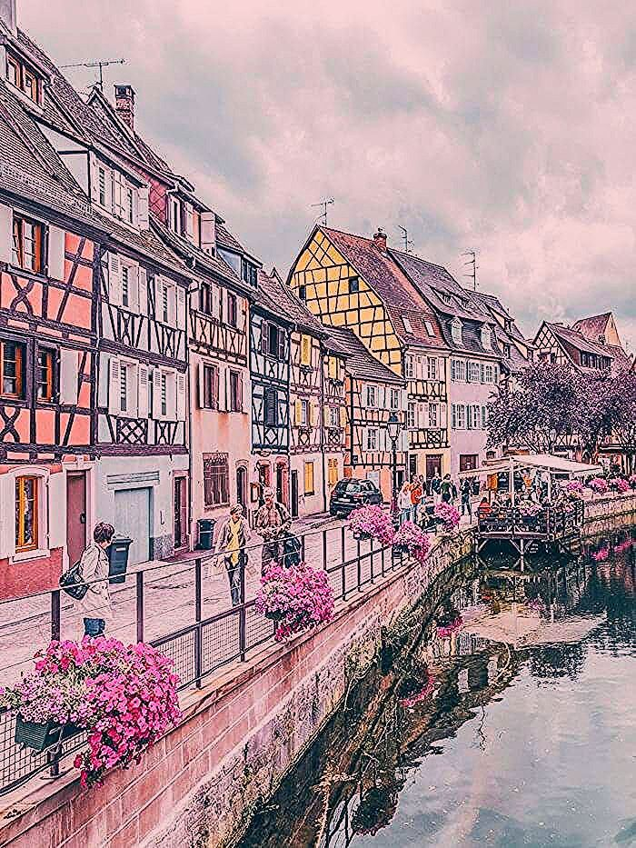 Photo of 9 Charming Towns In France – Avenly Lane Travel