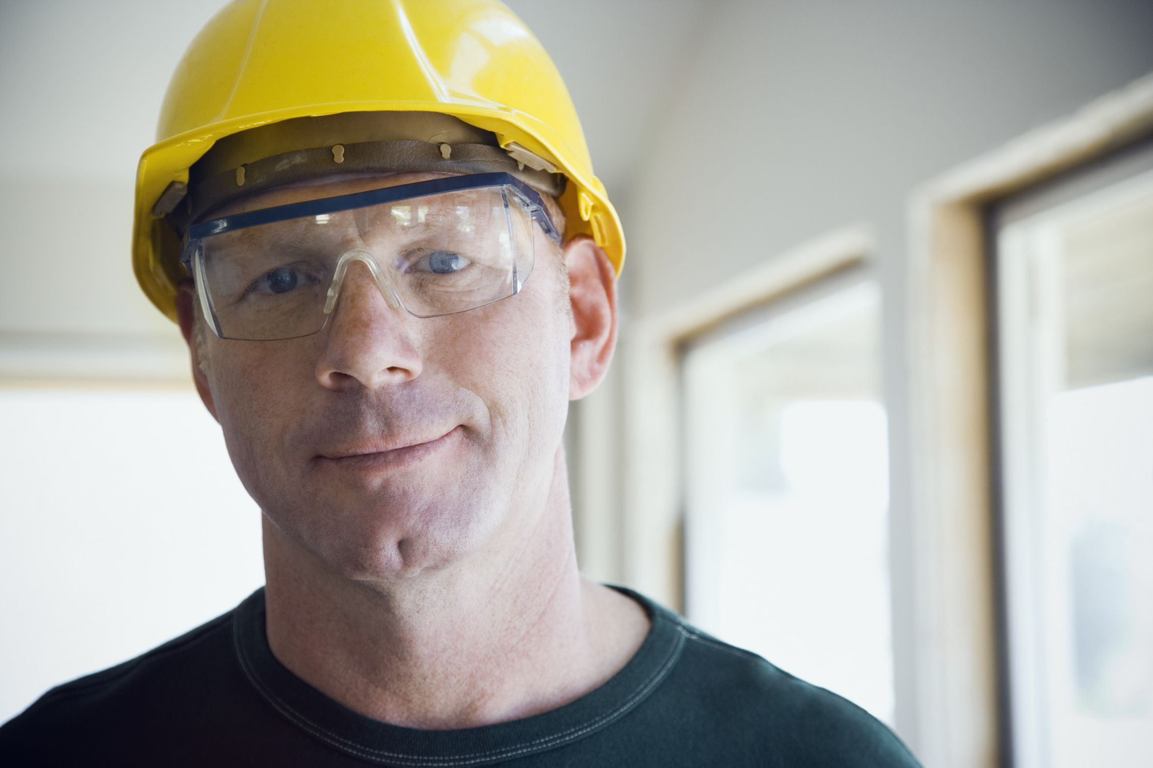 Protect your eyes when you work. Eyesafety checklist from
