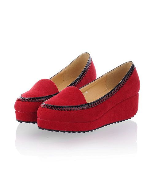Red Pointed Flatform Shoes