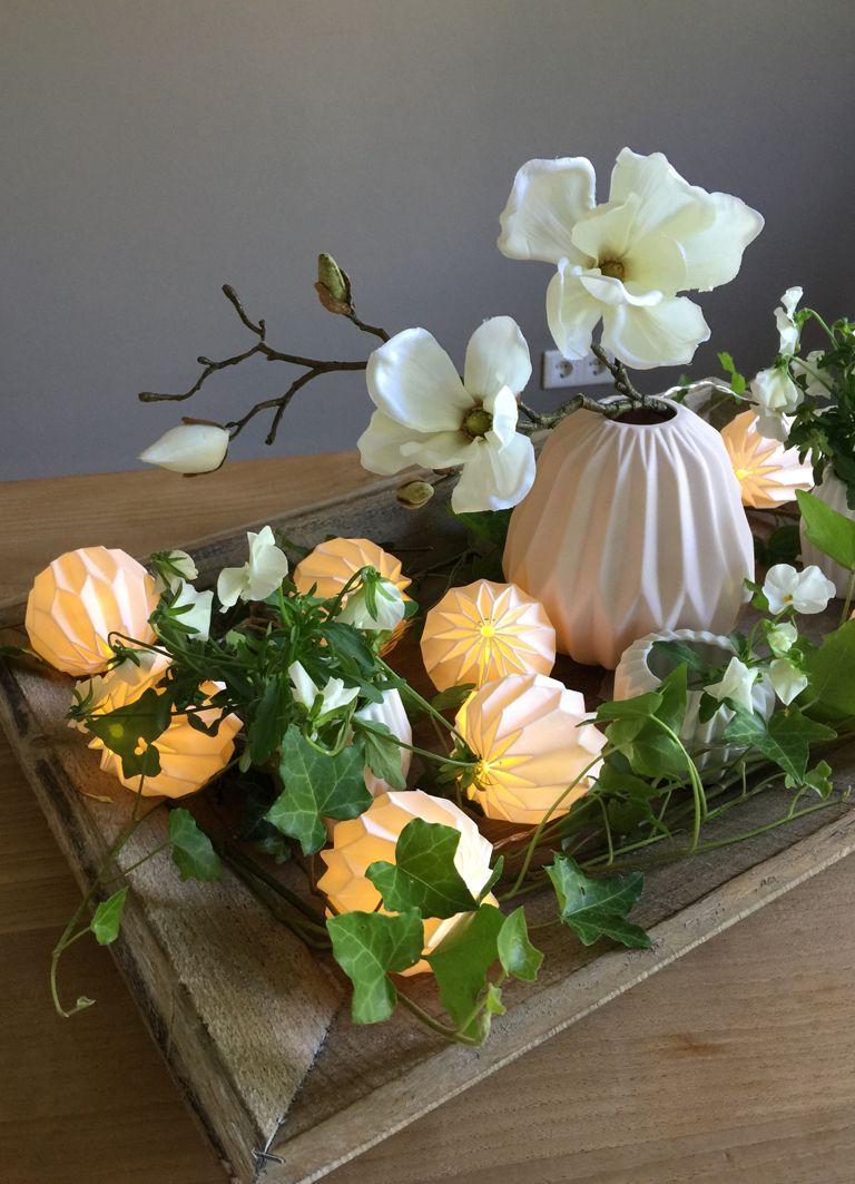 Origami Lichterkette sorgt für romantisches Licht auf dem Tisch