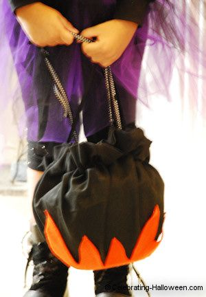 Witch's Cauldron Candy Container Bag for Trick or Treating ...