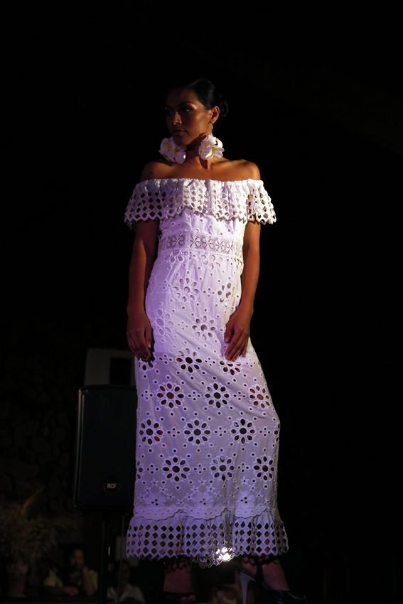 e3fab170a09e Hani Haring Créations - Tahiti   polynesians dresses   Tahiti ...