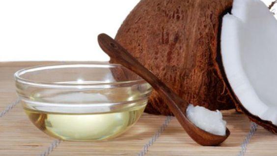 Hello les Roses ! On vous propose 3 recettes de masques visage à l'huile de coco pour nourrir et hydrater votre peau de manière 100% naturelle.