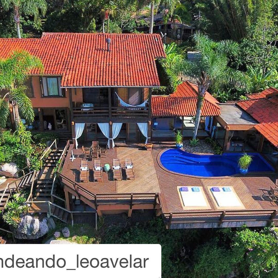 #Repost @porondeando_leoavelar with @repostapp.   Despedindo-me da Praia do Rosa (Imbituba - SC - Brasil) com este belo panorama do SOLAR MIRADOR EXCLUSIVE RESORT AND SPA  uma hospedaria especial para mim.  Gostaria de agradecer a toda equipe Solar Mirador pelo carinho e gentileza.  Até breve!  www.porondeando.com  #travel #viagem #porondeando #blogdeviagens #porondeando_leoavelar #braroundtheworld #luxwt #worldplaces #luxurytravel #luxwtprime #wonderful_places #luxuryworldtraveler…