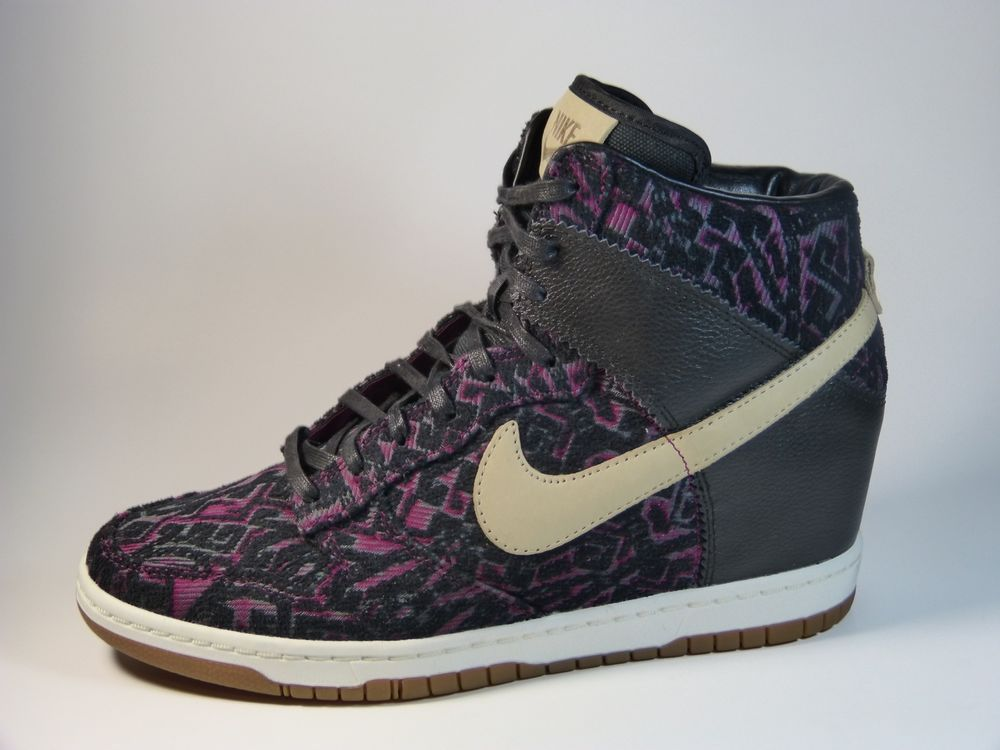 timeless design f3243 aa217 Nike Dunks Sz 9.5 Womens Sky Hi PRM Wedge Sneakers 585560-001 Black   Purple Nike FashionSneakers