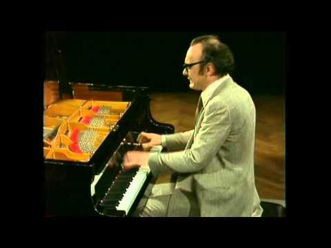 Alfred Brendel - Schubert - Four Impromptus, D 899 - YouTube