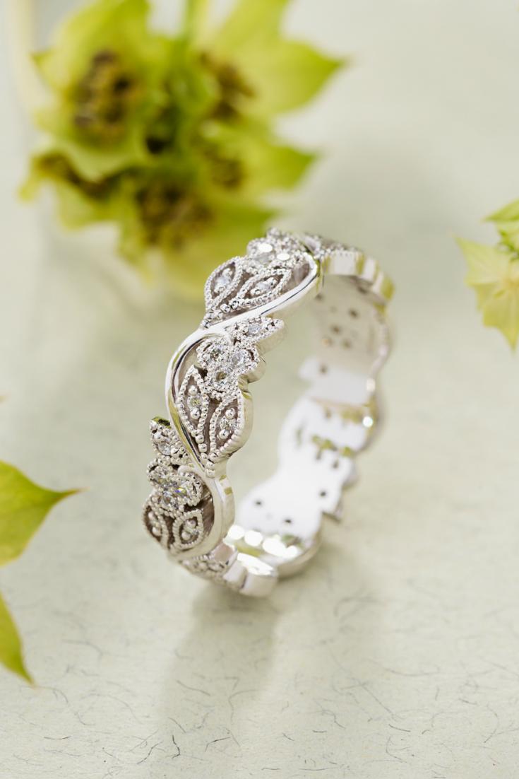 Gold Floral Wedding Band For Women Vintage Style Wedding Etsy In 2020 Wedding Rings For Women Floral Wedding Bands Wedding Ring Bands