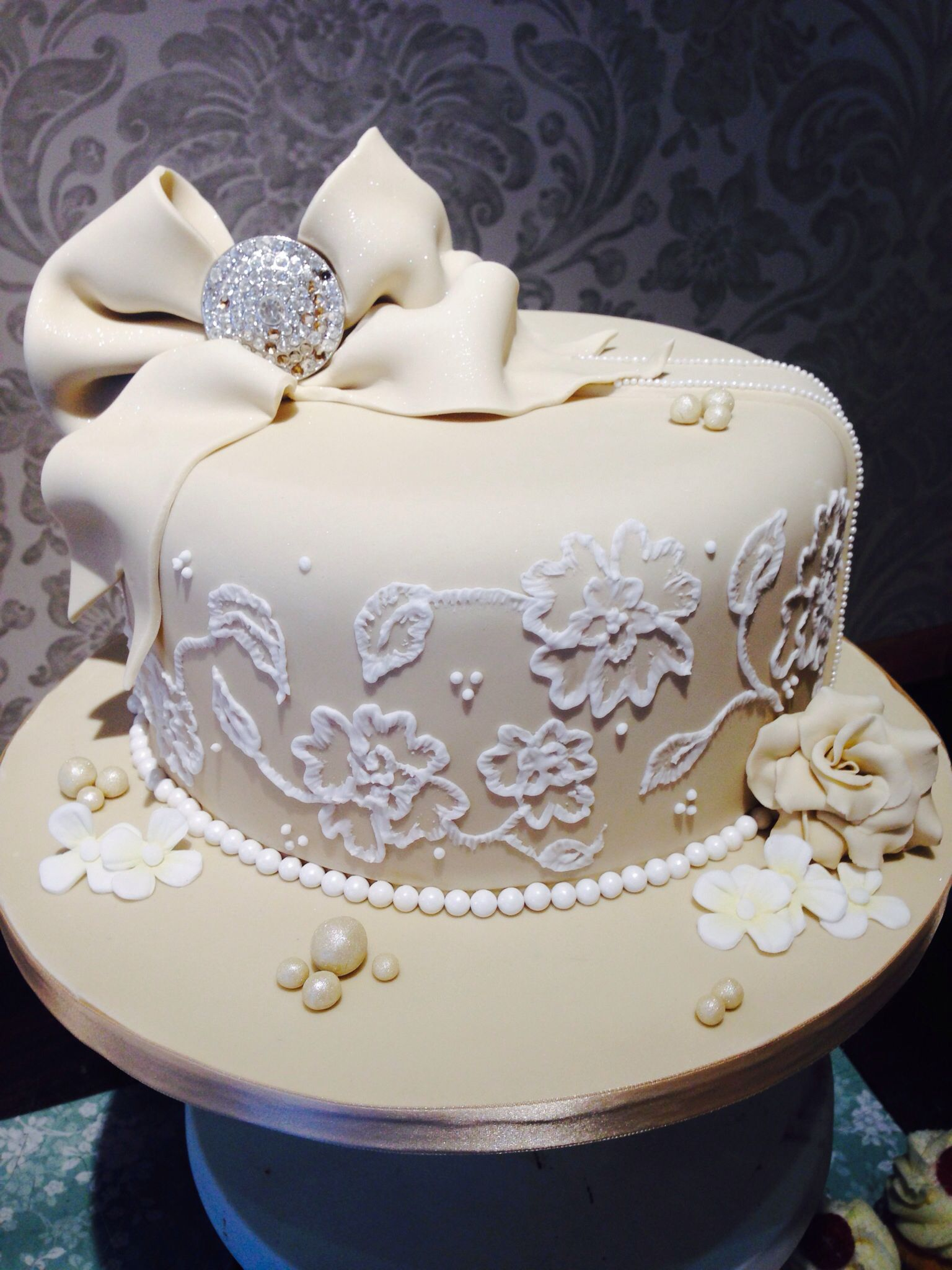 Elegant Brushed Embroidery Cake Brush Anniversary Ideas Wedding Blackberries Cakes