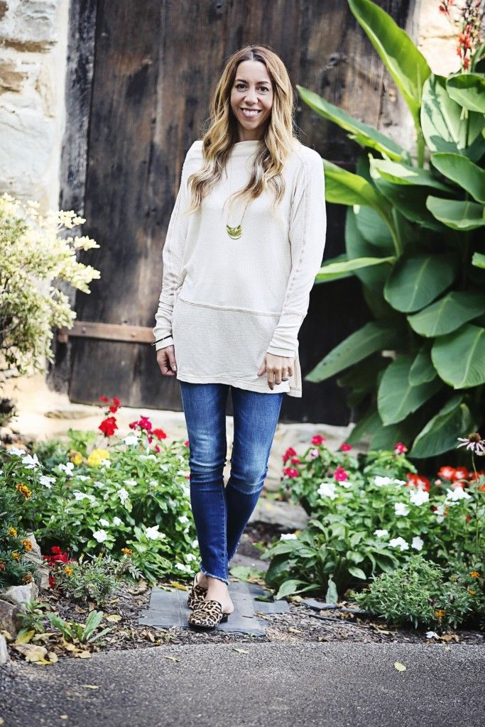 f15ee7a25ad The Motherchic wearing an easy fall outfit - free people tunic and DL1961  jeans