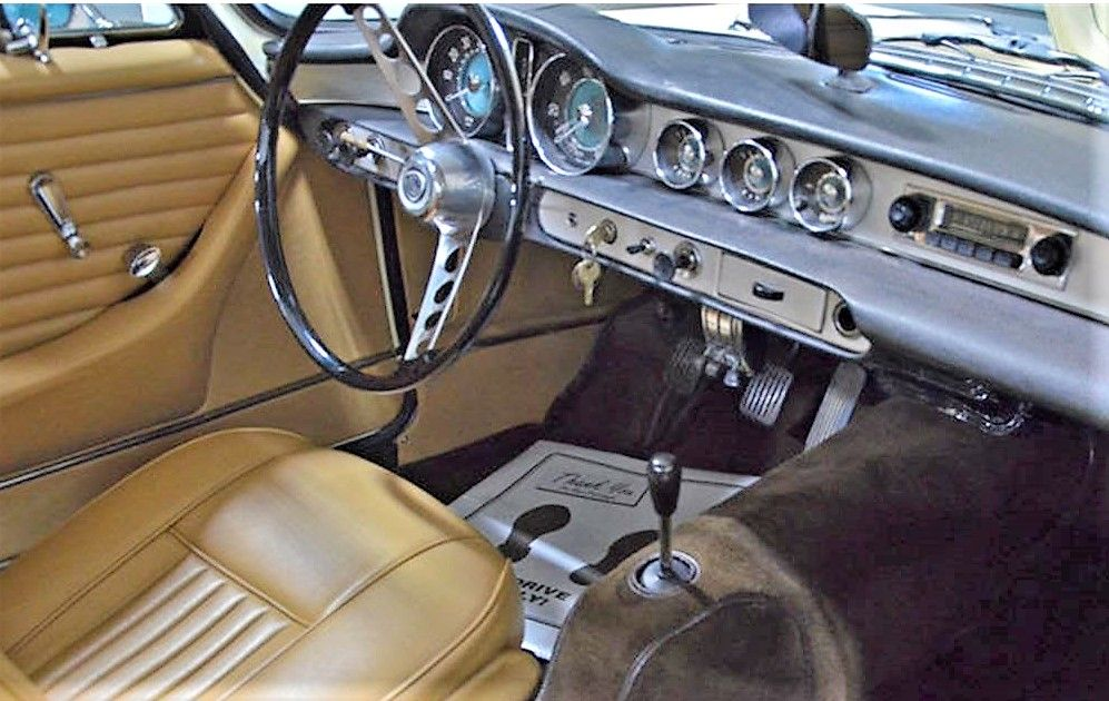Saintly Volvo P1800 sport coupe | Volvo, Volvo cars, Sports coupe