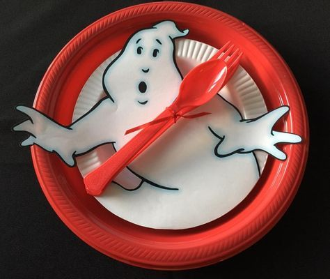 Ghostbusters Birthday Party place setting with plates from Party City. Red Plastic Dinner Plates measuring & Ghostbusters Birthday Party place setting with plates from Party ...
