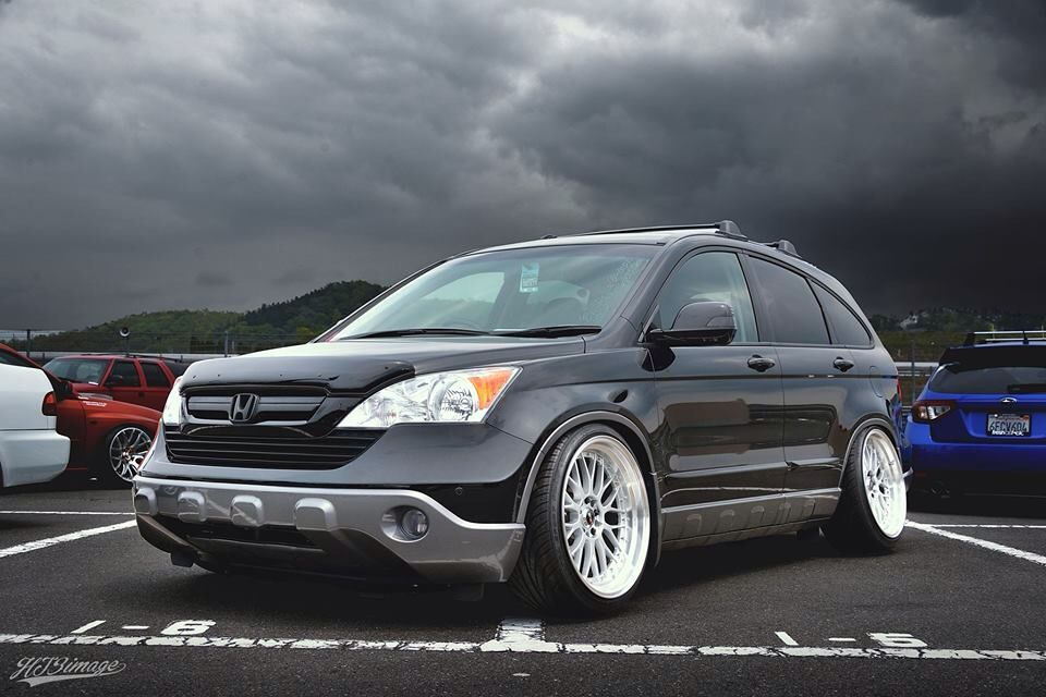 Slammed and Modified CRV. | Imports - 84.4KB