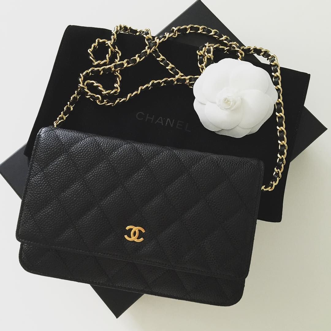 0262eb6e290a4b Still my favorite and easiest cross body bag - Chanel WOC. #chanel  #chanellover #chanelbag #chaneladdict #chanelcoco #chanelcaviar  #chanelhandbag ...