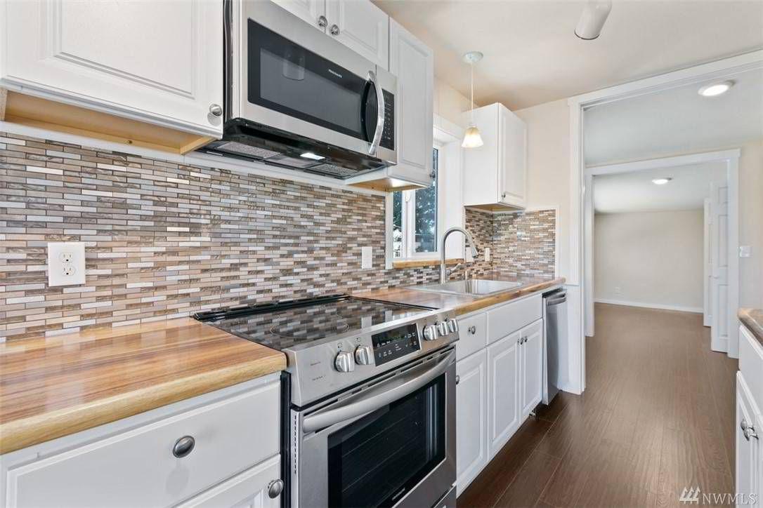 14329 Riverbend Rd Mount Vernon Wa 98273 Mls 1600209 Sarabeth Owens Semanko Realty Group Llc Mount Vernon Realty Kitchen Cupboards
