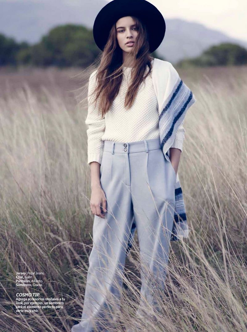 Model Marta Aguilar heads to the forest for this fall outerwear story featured in the November 2015 issue of Cosmopolitan Mexico. Photographed by Vladimir Marti and styled by Debora Traitè, the brunette poses in oversized sweaters, tailored coats and cozy jackets in the outdoor editorial. The designs of Gant, Pepe Jeans and Guess stand out …