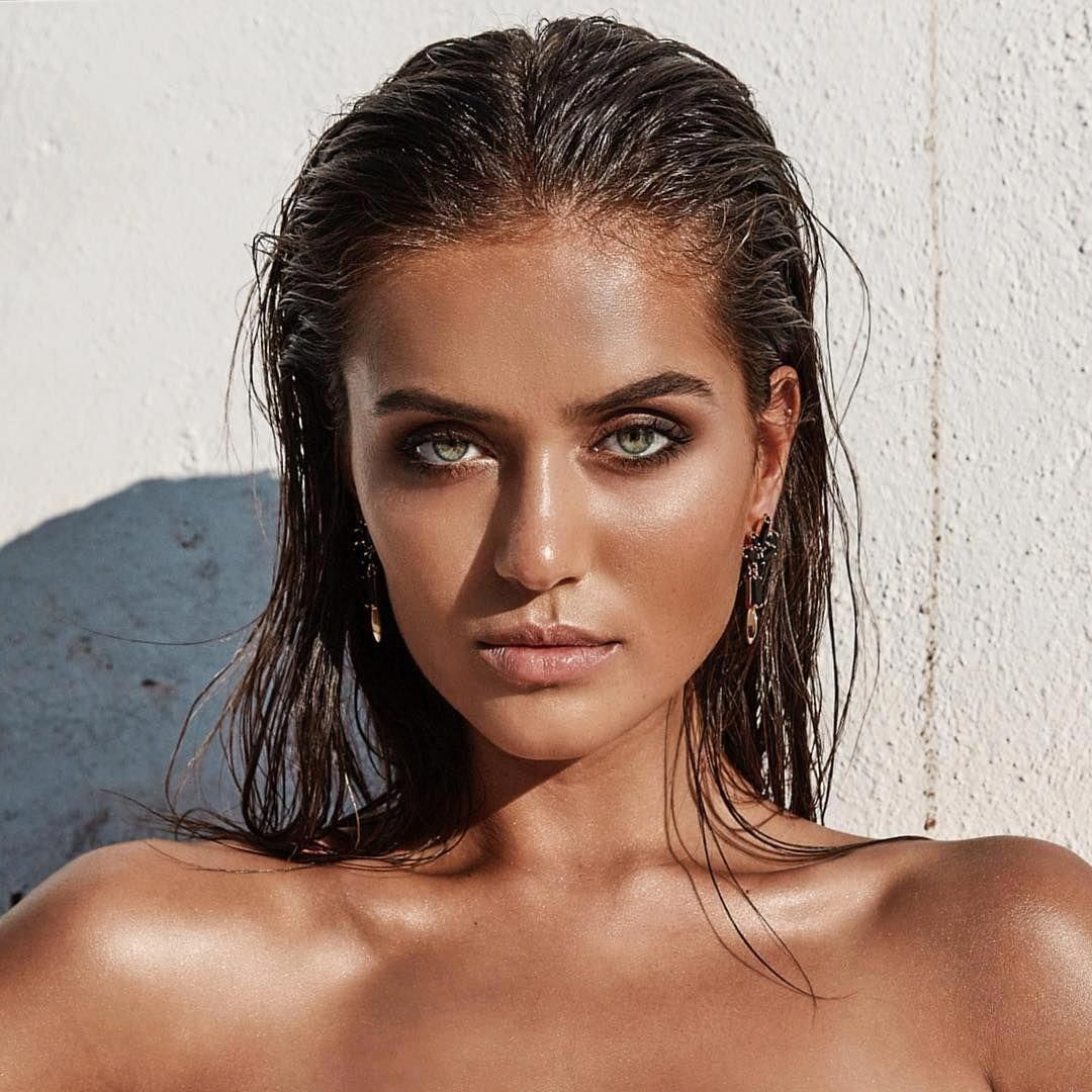 Makeup Bag Like Ipsy Photoshoot makeup, Beach makeup