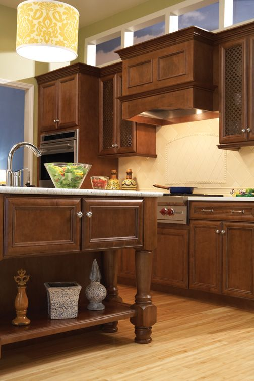 Kitchen Bath And Closet Cabinetry By Wellborn Cabinet Inc Kitchen Wellborn Cabinets Traditional Kitchen Cabinets