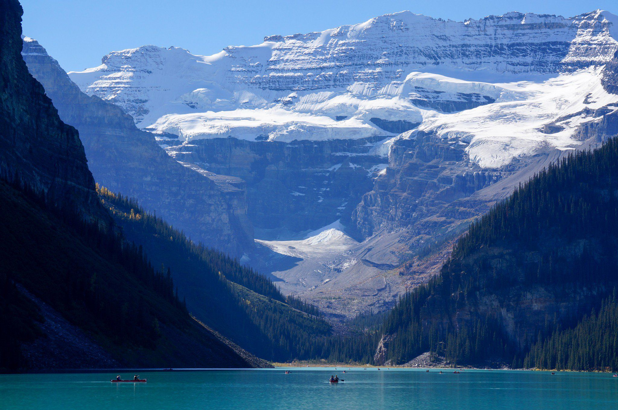 9 BucketList Items for Travelling Canada Long term