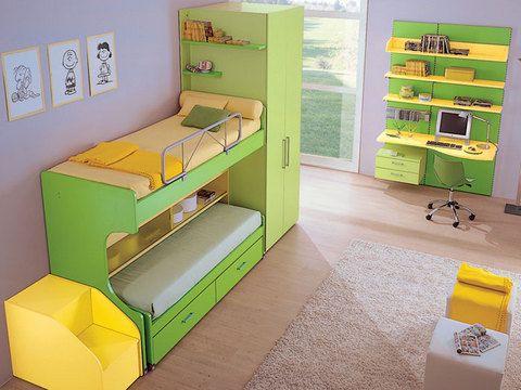 Cameretta cedro e giallo letto a castello zona studio