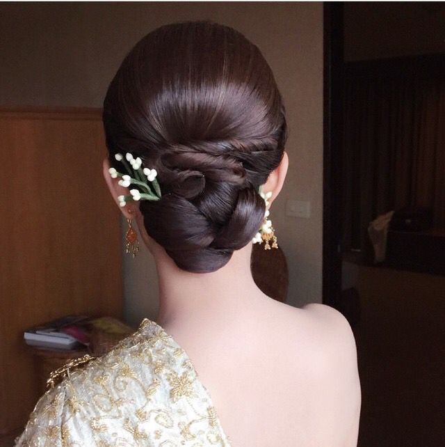 Thai Wedding Hairstyle Cr Nongchat Wedding Hairstyles Bun