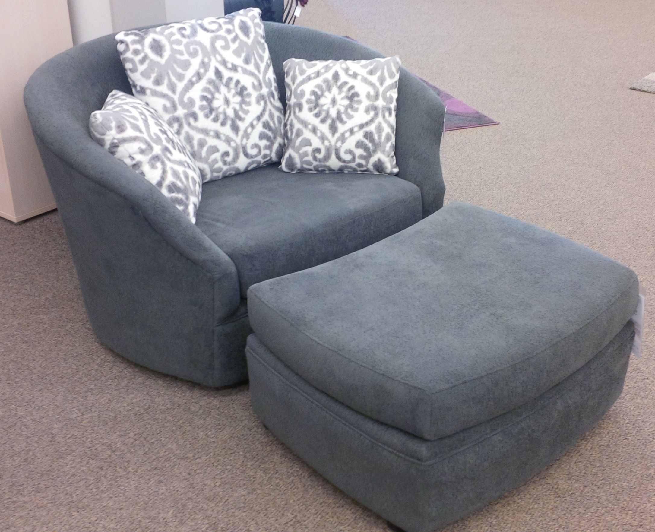 Comfy Chair With Ottoman Wouldnt You Love To Curl Up In This Big Comfy Chair Its