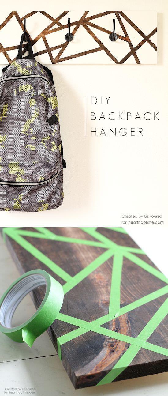 Learn How To Make This Diy Backpack Hanger To Help Get Organized For Back To School Decoracion Para El Hogar De Bricolaje Decoracion De Unas Decoracion Hogar