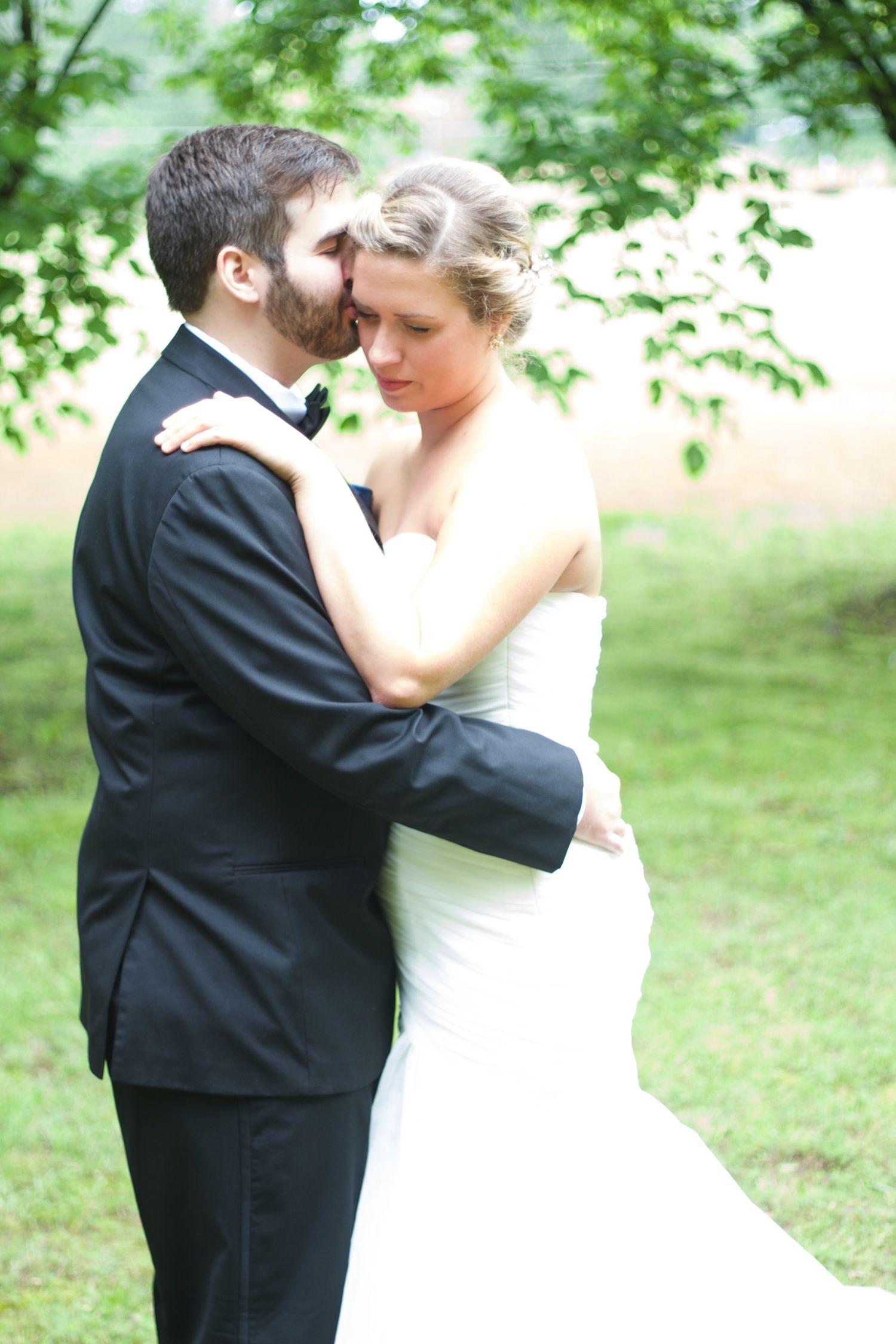 Leah Smith And Brandon Davis Wed In Collierville Tn Wedding Backyard Garden