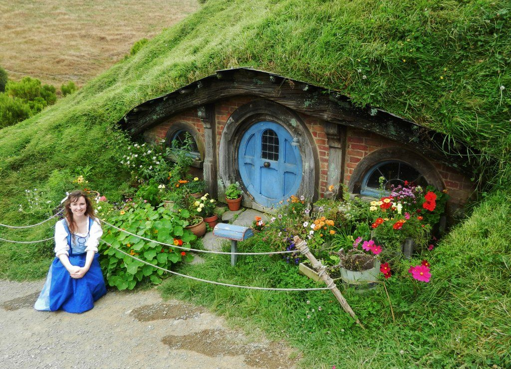 Happy With My Hobbit Hole By Shadowfaxcreations On Deviantart Earthship Hobbit Hole Hobbit House