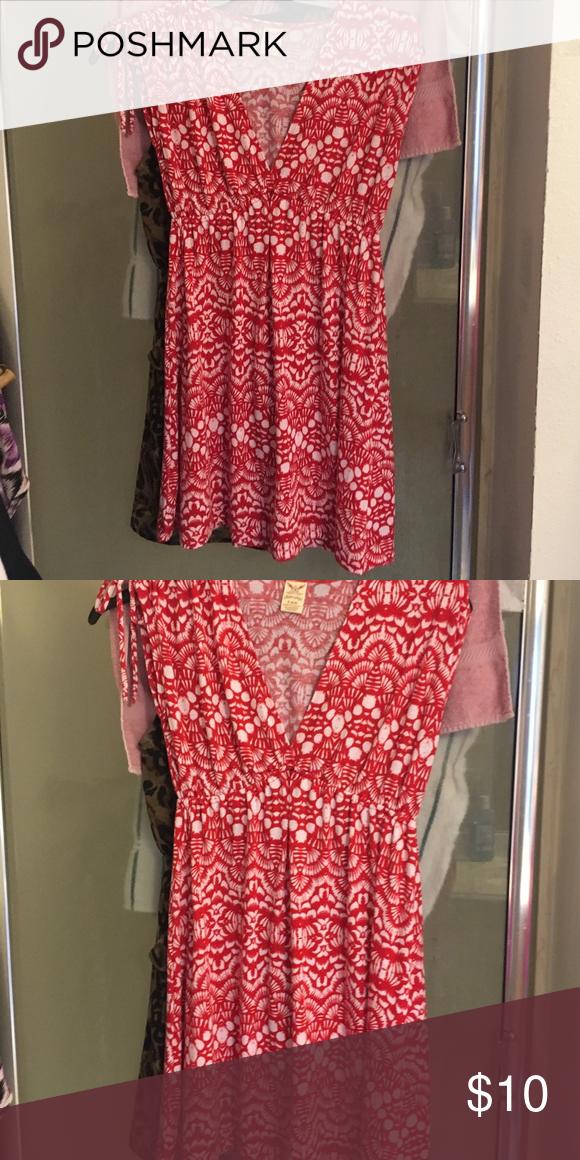Dress Cute summer dress v-neck , red & white Faded Glory Dresses Mini