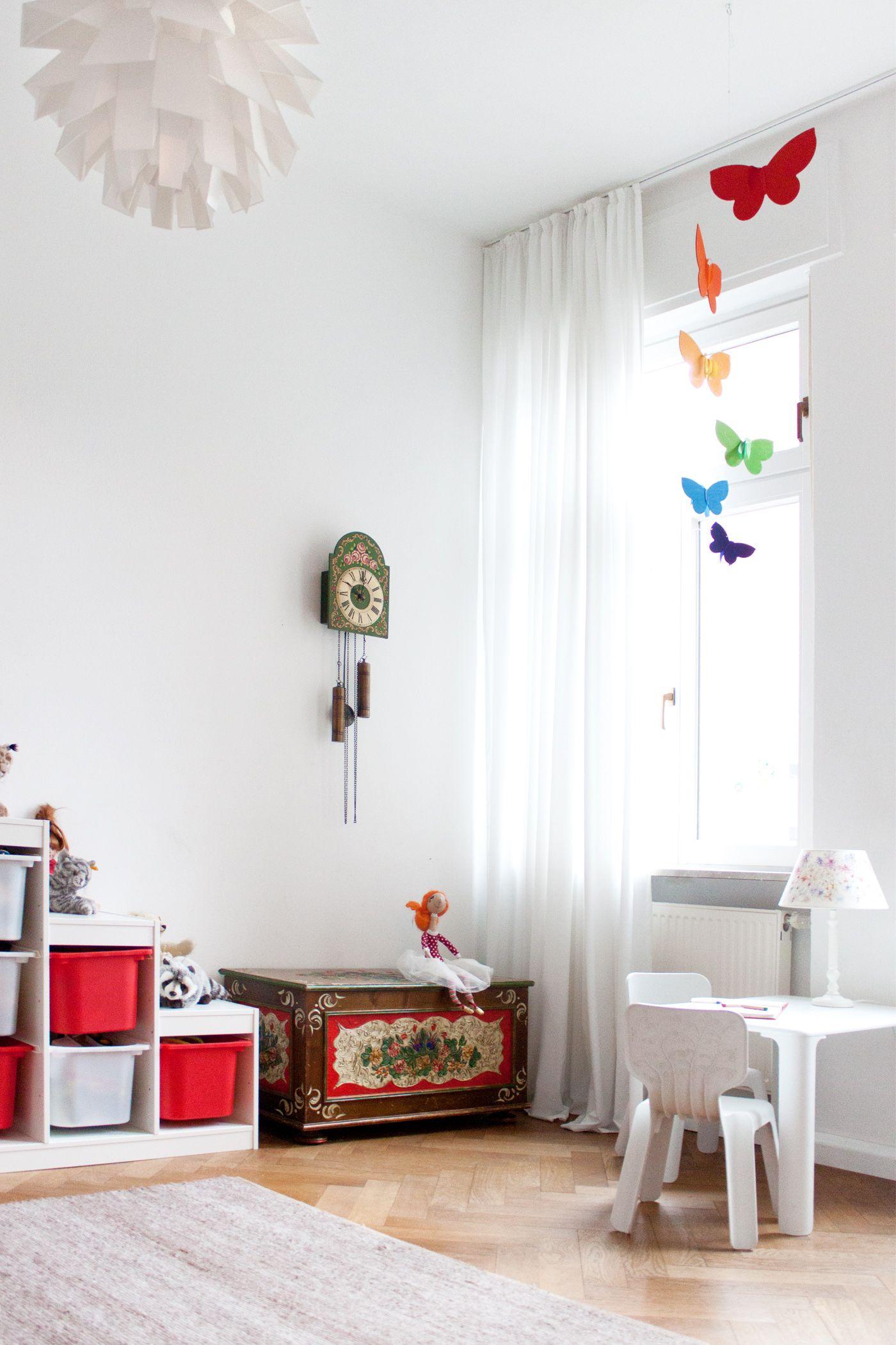 Interior: children's room / Kinderzimmer - antike Bauerntruhe - Normann Copenhagen - magis - ikea