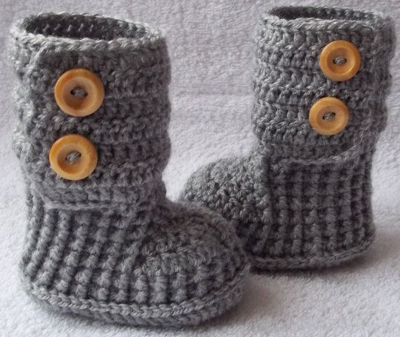 Crochet baby booties boots for newborn, 0 to 3 month or 3 to 6 months- CHOOSE your SIZE and COLOUR. $20.00, via Etsy.  I so am going to try to make my own patern for these!!!! ( save the $20.00 !!)