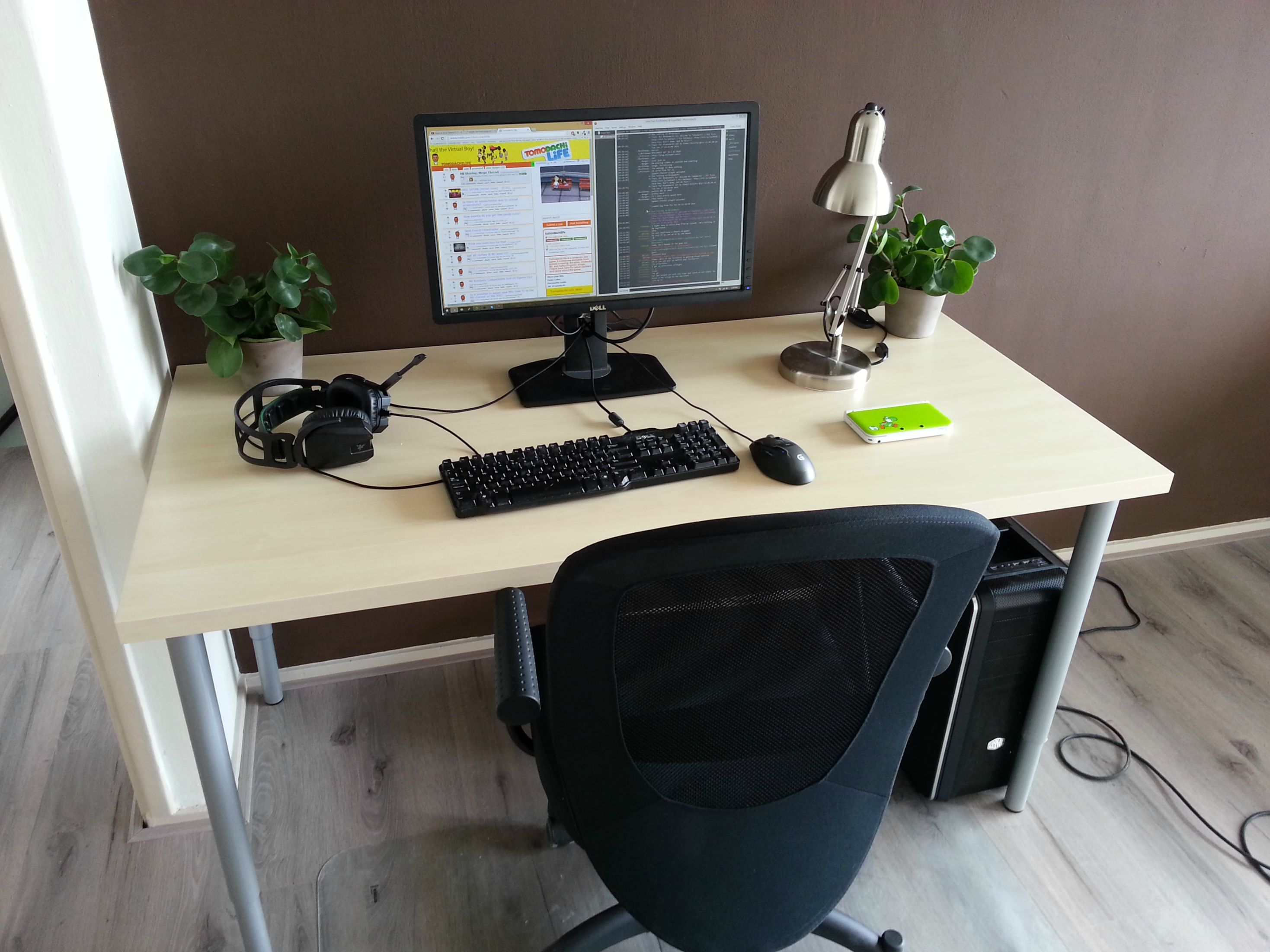 I Like The L Desk And The Clean, Minimal Style -
