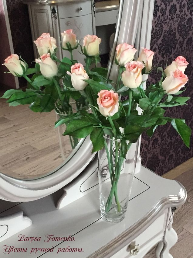 kurs-floristika-svadebniy-buket-keramicheskaya-buket-rozovih-i-bezhevih-roz