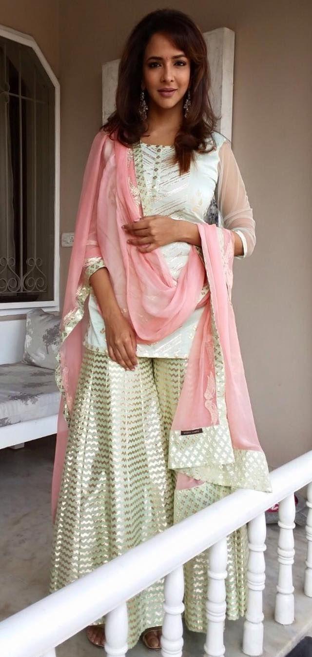 ba8181bb65 Pinterest: @pawank90 | Sharara and Palazzo | Indian dresses ...