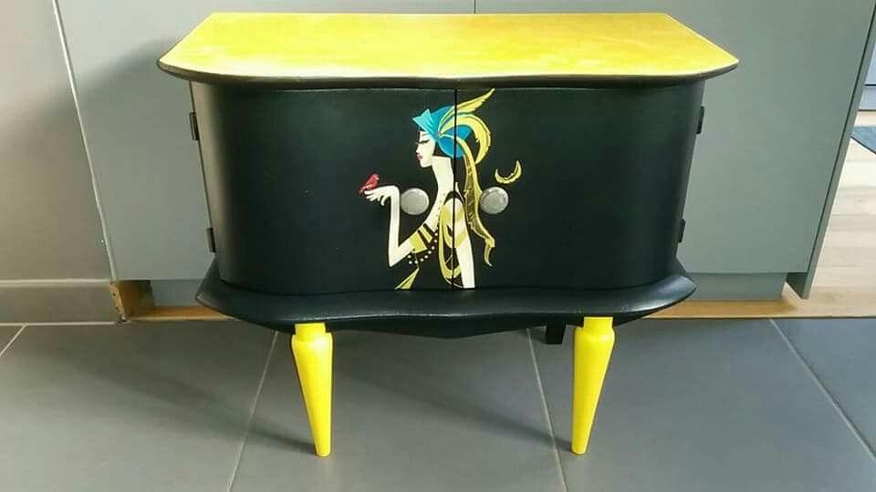 Chevet des années 40 relooké style art déco Peinture à main levée - Peindre Table De Chevet