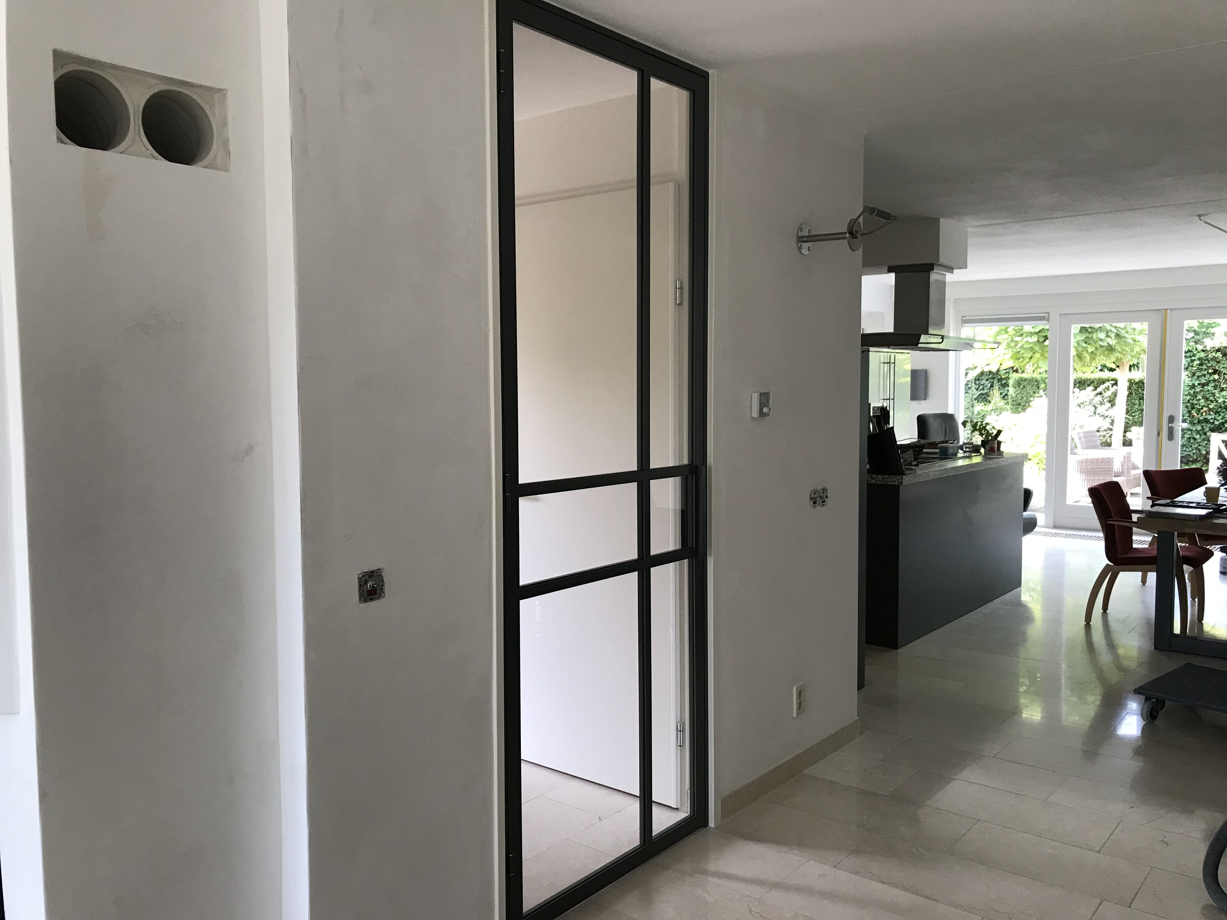 Steel hinged door with 6 compartments
