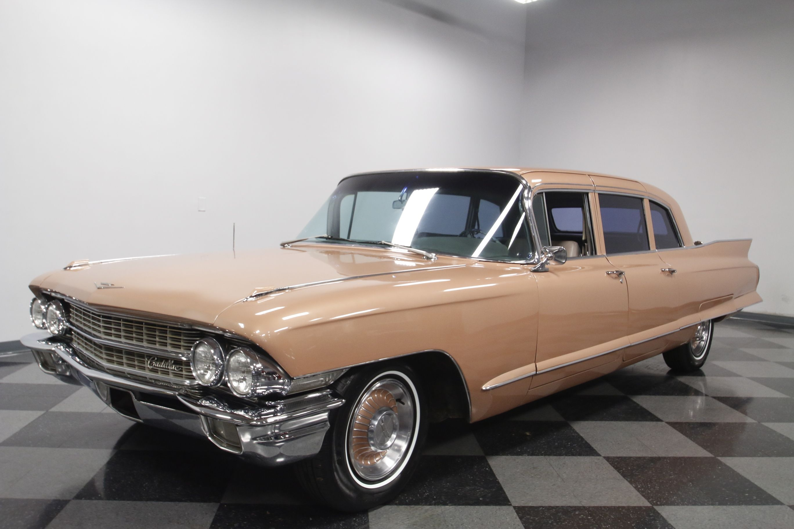 information momentcar for sale photos cadillac fleetwood and