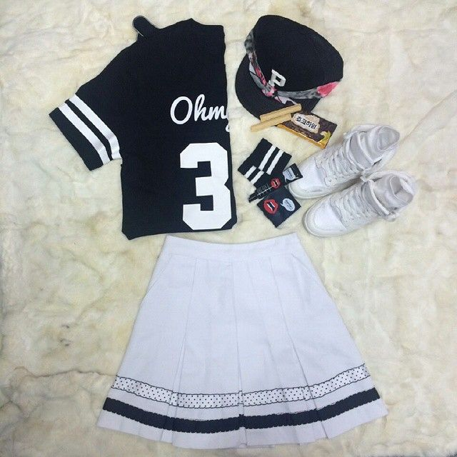 Black & White 🌻 #OHMYGIRL #오마이걸 #OHMYGIRLLOOK #CUPID