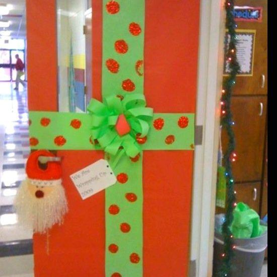 35 Christmas Door Decorating Ideas: Polka Dot Teacher Door Signs